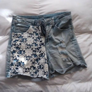 ❄ High Waisted Distressed and Pattern Jean Shorts